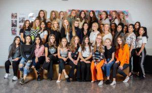 billede af alle pigerne til beauty camp